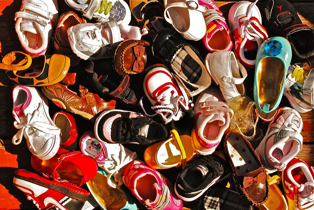Kinderschuhe (Symbolbild) |  Bild: © Mark Quintanilla [CC BY 2.0]  - Flickr