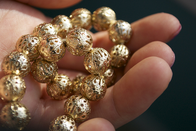 Goldschmuck |  Bild: ©  Some gold filigree beads for everyone! [CC BY 2.0]  - Flickr
