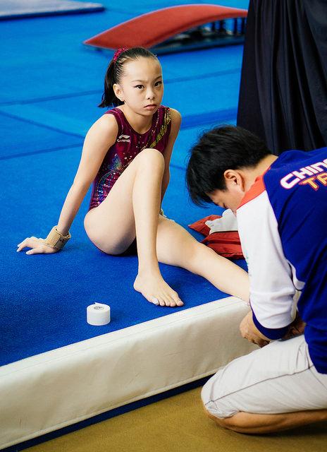 Kindersport als Kinderarbeit Oft werden Kinder in China schon früh zu Leistungssport gedrängt | Bild (Ausschnitt): ©  moetaz attalla [CC BY 2.0]  - Flickr