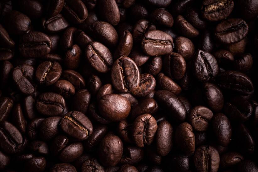 KaffeebohnenKaffeebohnen |  Bild: Kaffeebohnehintergrund der hohen Auflösung © Neosiam [Royalty Free]  - DreamstimeKaffeebohnen