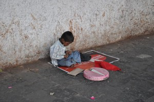 hemer und braunschweig schuhputzaktionen zugunsten armer stra enkinder aktiv gegen kinderarbeit. Black Bedroom Furniture Sets. Home Design Ideas