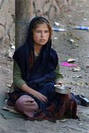 Armut, Bettler, Mädchen  Bild (Ausschnitt): © n.v. - wikimedia commons