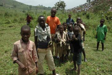 D.R. Kongo: Kinder im Wettlauf mit Rebellenarmeen