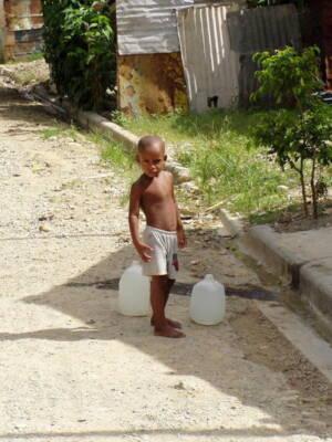 Pläne gegen Analphabetismus und die Situation der Kinderarbeit in der Dominikanischen Republik
