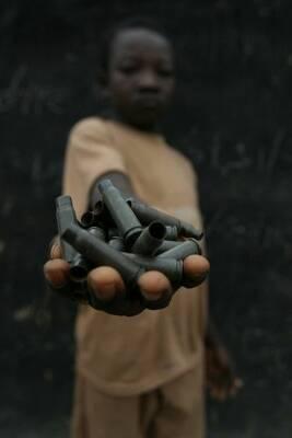 Red Hand Day – ein Zeichen gegen Kindersoldaten