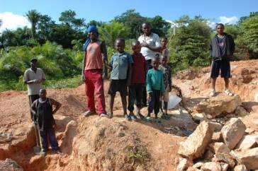 Interpol befreit 400 Kinderarbeiter in Burkina Faso