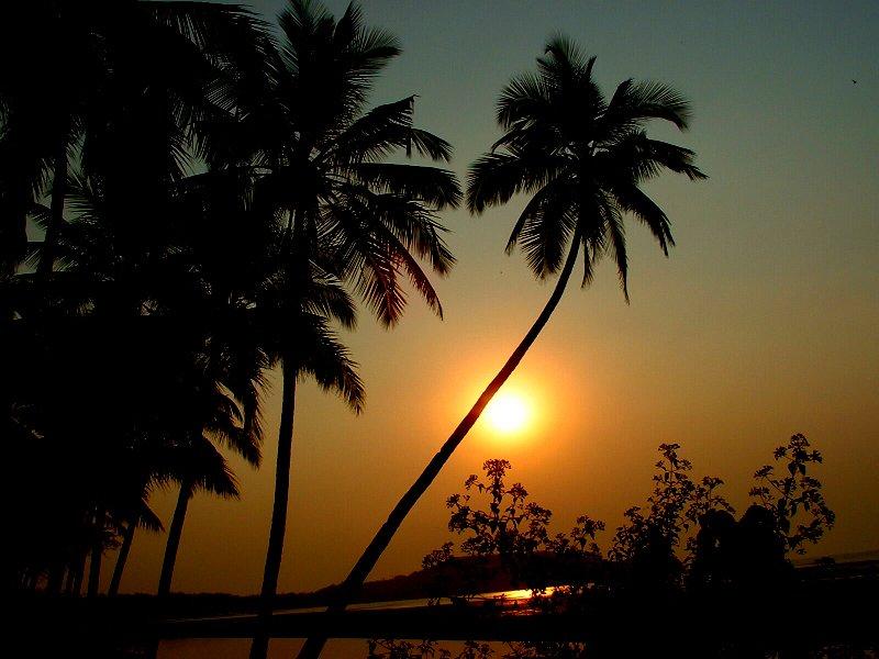 Goa, Sonnenuntergang, Meer, Strand |  Bild: © Dominik Hundhammer - Wikimedia Commons