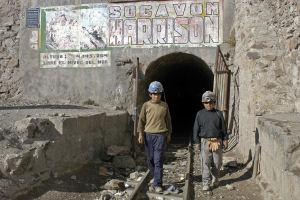 Praktikanten für Minenarbeit in Afrika gesucht!