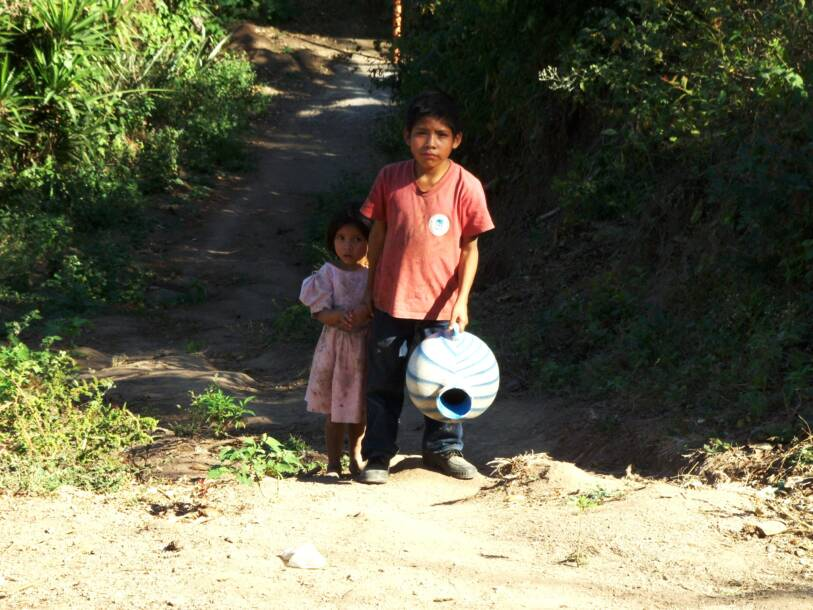 Kinder aus Guatemala |  Bild: © Alfredobi - Wikimedia Commons