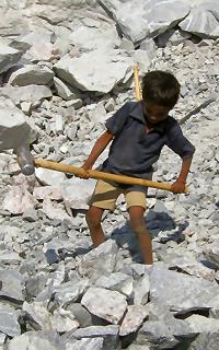 Indien: Kinderarbeit in der Sandstein-Industrie