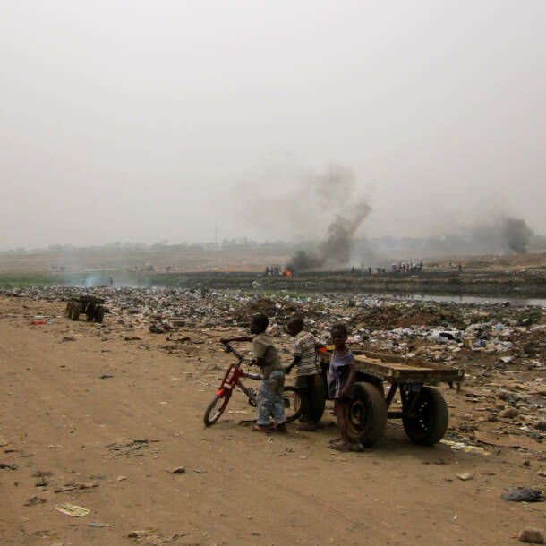 Müll, Agbogbloshie, Kinderarbeit |  Bild: © Lantus - Wikipedia CommonsMüll, Agbogbloshie, Kinderarbeit
