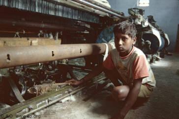 Kinderarbeit auf der Flucht – wenn Kinder zu Alleinernährern werden