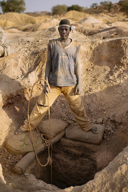 Paul Sawadogo war 17 als er anfing in einer Gildmine zu arbeiten | Bild (Ausschnitt): © CIFOR [CC BY-NC-ND 2.0]  - Flickr