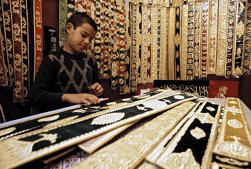 Kind Teppich Kinderarbeiter |  Bild: ©  United Nations Photo [CC BY-NC-ND 2.0]  - flickrKind Teppich Kinderarbeiter