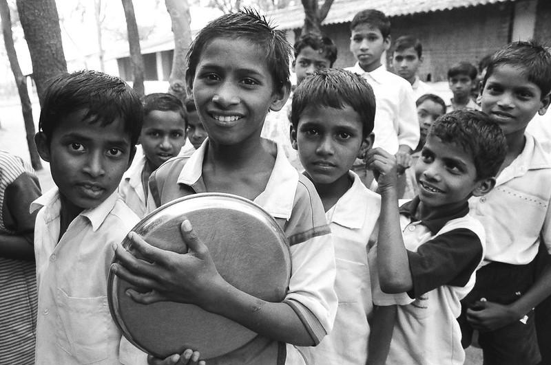 Kinder in IndienDas Wirtschaft Indiens wächst auf Kosten der Kinder |  Bild: ILO Asia-Pacific Child labour in India © ILO/Jeffrey Leventhal [(CC BY-ND 2.0)]  - flickrKinder in Indien