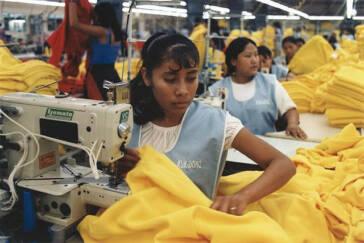 Der Preis von Fast Fashion – Kinder in Asien werden für billige Mode ausgebeutet