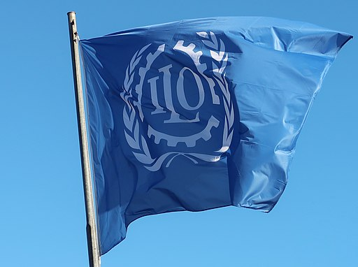 Flagge der ILOFlagge der ILO |  Bild: © © ILO photo [CC BY-SA 4.0]  - Wikimedia CommonsFlagge der ILO