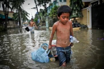Wenn Plastikabfall überlebenswichtig wird: Manilas Müllkinder