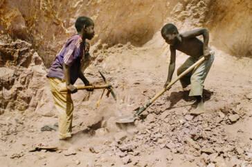 Mit dem ACCEL Africa Projekt möchte die ILO Kinderarbeit in Afrika bekämpfen.